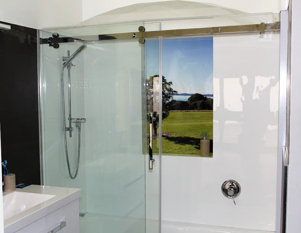 Bath Sliding Door And Gl Return