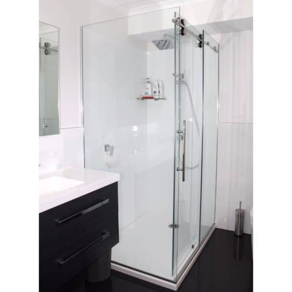 1400x900 Dreamline Urban corner Shower Henry-Brooks