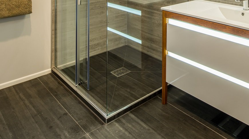 finished shower using Didosi shower tray