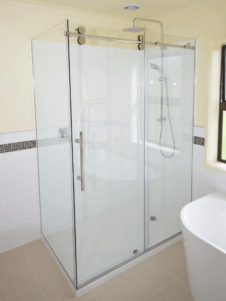 1600 x 900 Shower enclosure